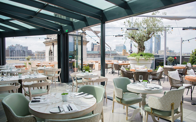 Wine, dine, and sunshine: New London al fresco spots to try this summer